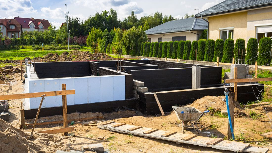 Wylewki i tynki maszynowe — usługi budowlane